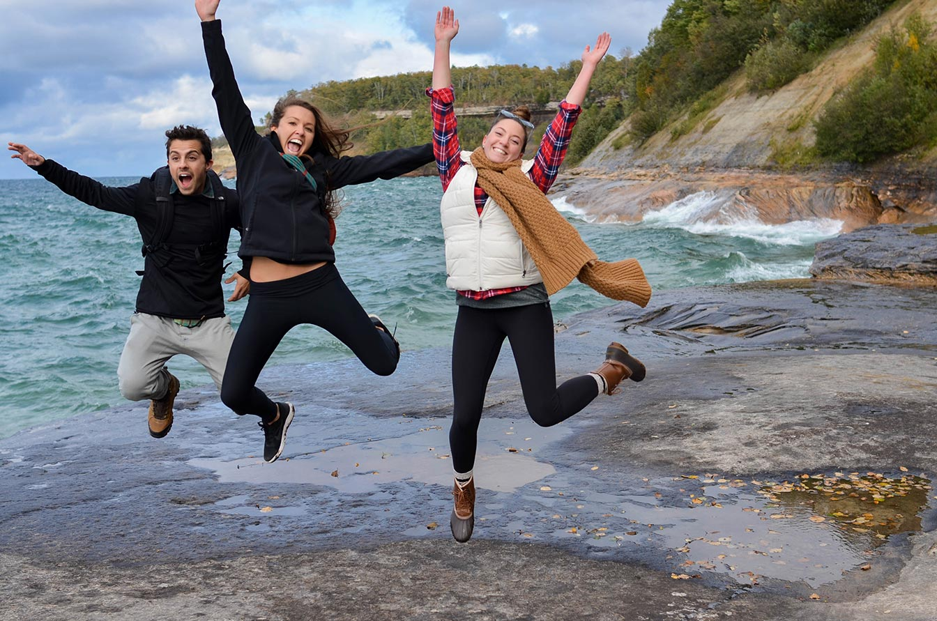 friends-having-fun-at-pictured-rocks